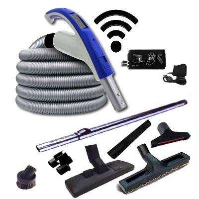 Set 7 accessoires + 1 flexible RETRAFLEX 12,20 m avec poignée à bouton marche/arrêt télécommande intégrée 915 Mhz RETRAFLEX et HIDE-A-HOSE (Émetteur-récepteur)