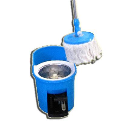 New turbo mop deluxe le premier balai serpilli re avec sa for Nettoyer sa piscine avec balai
